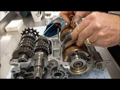 Yamaha TZ250 Grand Prix Racer -  Engine Rebuild - Time Lapse