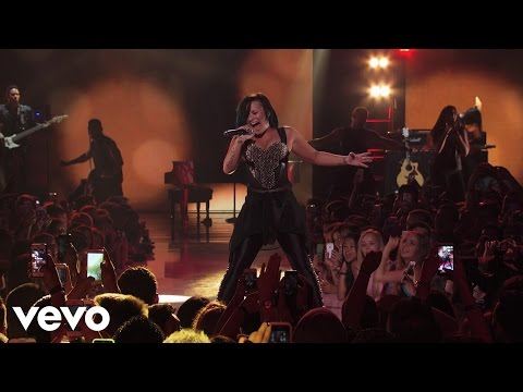 Demi Lovato - Give Your Heart A Break (Vevo Certified SuperFanFest...
