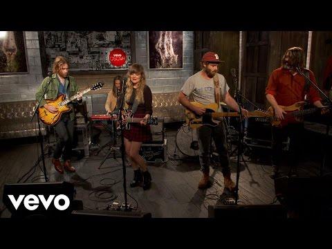 Angus & Julia Stone - Grizzly Bear - Vevo dscvr (Live)