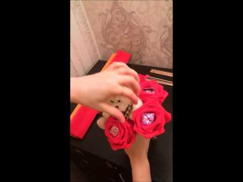 Букет из игрушек и конфет своими руками