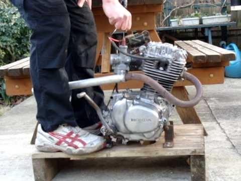 Honda XL185 engine running on test rig. - YouTube