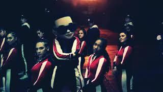 Daddy Yankee y Snow, Con Calma video