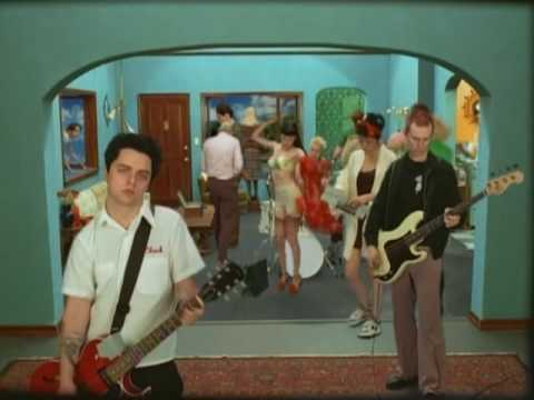 Redundant - Green Day (Official Music Video)  [HQ]