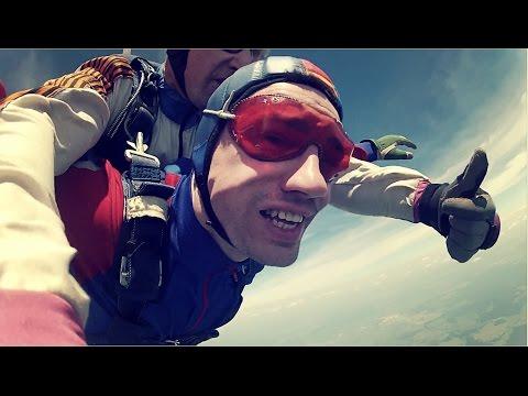 Первый прыжок с парашютом skydiving