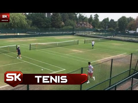 Đokovićevo Vimbldonsko Zagrevanje Sa Fudbalskom Loptom | SPORT KLUB Tenis