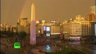 As festejan los hinchas la victoria de River Plate ante Boca Juniors en Copa Libertadores