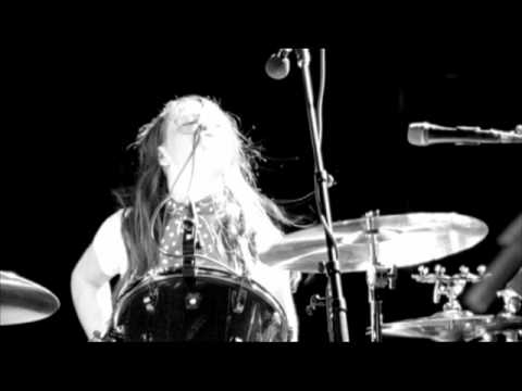 The White Stripes - Dead Leaves And The Dirty Ground (Live)