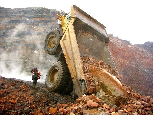Heavy machinery accidents, mishaps and other interesting mining photos