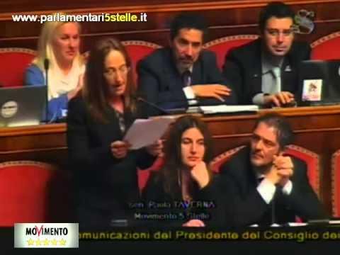 Paola Taverna(M5S) Distrugge Matteo Renzie [da non perdere]