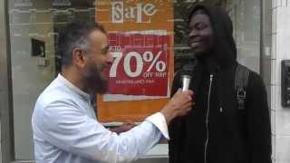 Amazing Conversion to Islam in 8 minutes ! 'Live' Street Dawah