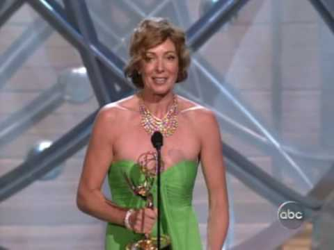 Allison Janney - Emmy Awards 2004