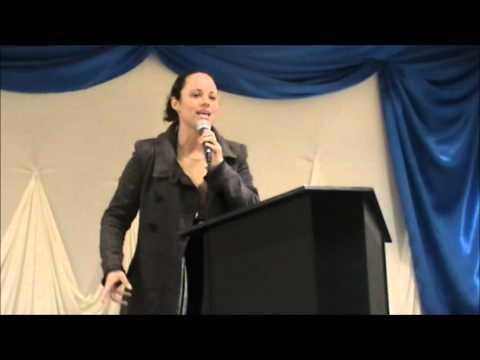 Missionária Janaína Oliveira - A Mulher de Fluxo de Sangue