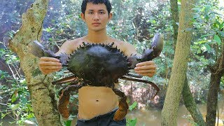 Cooking Sea Crabs with Pork Recipe in Forest for Dinner