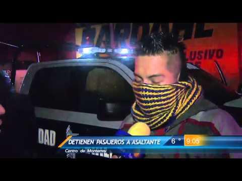 Las Noticias - Pasajeros detienen a asaltante en el Centro de Monterrey