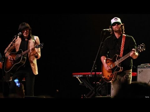 Meet 'The Olms' (J.D. King & Pete Yorn) | HPL