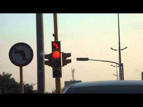 stupid traffic light signal in khobar