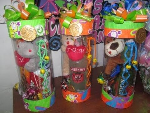 Botellas decoradas con papel periodico