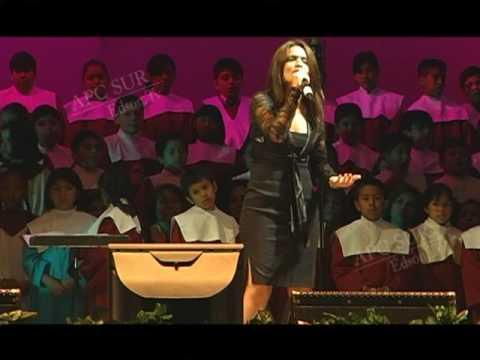 Ana Reategui - 1er Festival de Libertad Religiosa ESTADIO NACIONAL (Apc Sur)