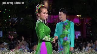Quý Bình, Kim Tuyến, Trịnh Kim Chi, Hòa Hiệp, Kha Ly... lần đầu đi catwalk với áo dài cực đẹp!
