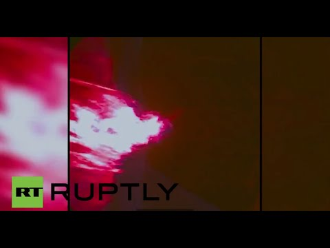 RAW: NASA Orion spacecraft hurtles through Earth's atmosphere