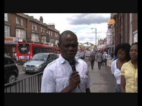 Street Preachers East Ham Station 1.wmv