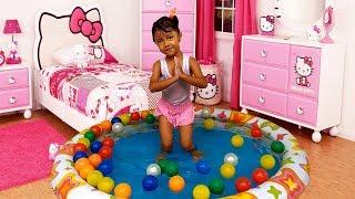 Mainan Anak Mandi Bola di Kolam Renang Anak dan Mainan Ikan Koi - Kids Playing Balls Swimming Pool