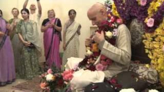 Vyasa Puja 2010 - Sri Sri Gurv-Astaka and Kirtan