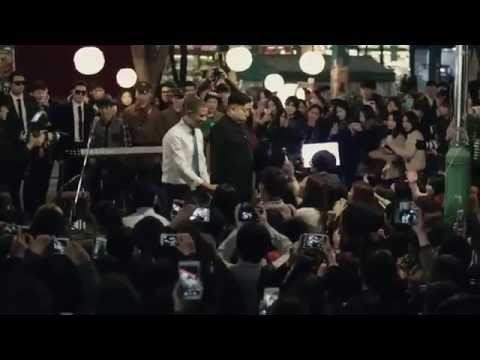 "[Funny] Barack Obama and Kim Jong Un sing ""All By Myself"" in the middle of Hongdae - HD 720p"