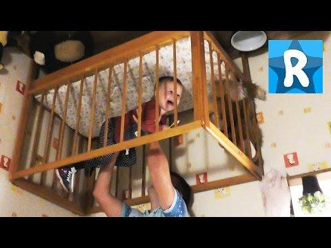 Дом-Перевертыш в Киеве Гуляем по Потолкам вверх ногами House-shifter in Kiev Kids Roma Show