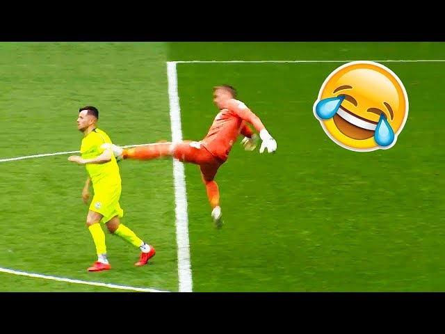 Funny Soccer Football Vines 2019 в Goals l Skills l Fails 78