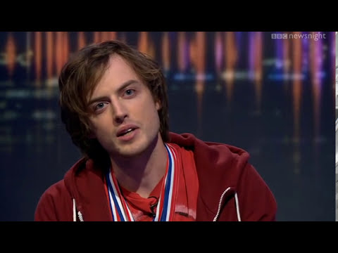NEWSNIGHT: World Memory Champion recites the Newsnight credits from memory - kind of