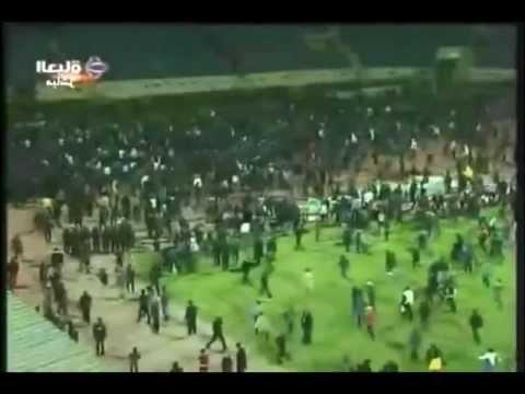 Egipto - 75 Muertos Durante un Partido de Liga ( 01/02/12 ) Egypt Violence Dead Pelea Hinchas