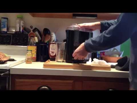 Carrot Juicing With Black & Decker Fruit and Vegetable Juice Extractor