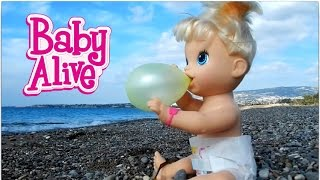 baby alive doll fly over the world on bubble gum balloon HD