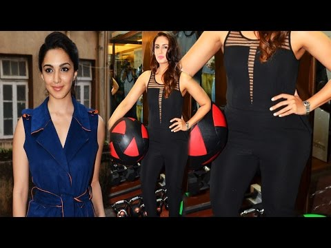 Hot Babe Huma Qureshi & Kaira Advani Exposed Her Sexy Tight Figure !!