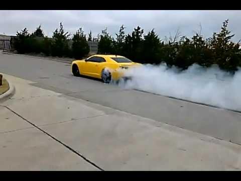 Burnout 2011 Camaro SS