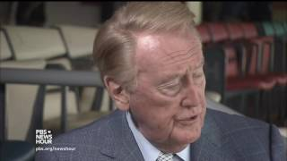 Vin Scully ends his 67-year career as voice of the Dodgers