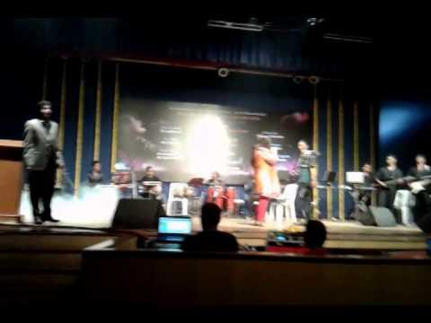 Performd By (Farid Khan & Varsha Mohite) Hum Tumhe Chahte hai...