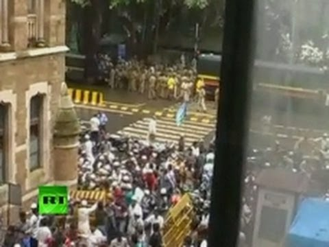 Cops vs Religion: Angry Muslims clash with police in India (Video)