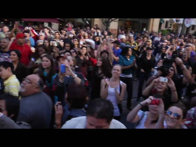 [Official] Janet Jackson Number Ones Flash Mob w/ Janet watching
