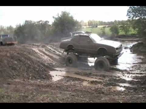 BarnYard Boggers Mud Bogging Around at Loyds Farm Oct 2009 Video