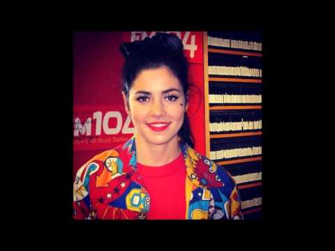 Marina and the Diamonds - Interview (Strawberry Alarm Clock Show FM104 20-11-2012) (Audio)