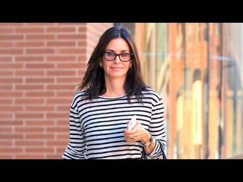 Courteney Cox Smiles When Asked If She's Getting Married Soon