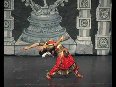 Indian classical Snake Dance nadhar mudimel : Bharatanatyam...
