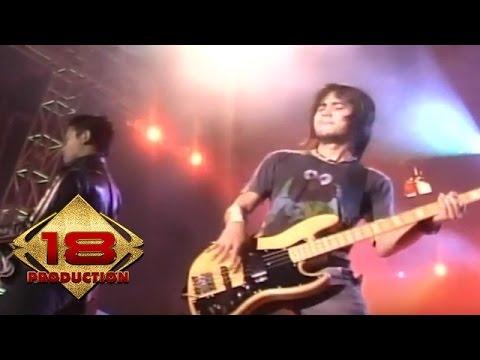 download lagu Peterpan - Tak Bisakah Live Konser Kediri 10 September 2007 gratis
