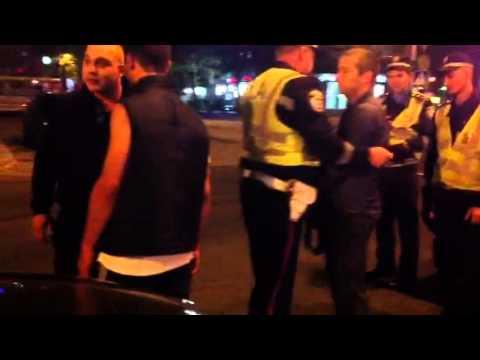 Видео НикВести: Потасовку пришлось разнимать ГАИшникам