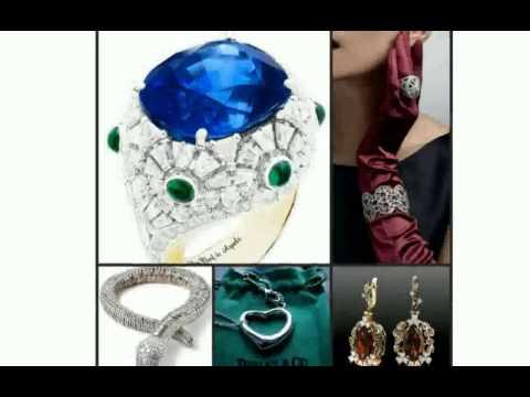 Компания производит более 800 наименований изделий, включая часы, ювелирные украшения, изделия из кожи