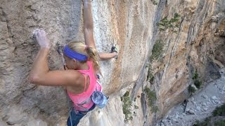 First Female Rock Climbing Ascent on Viaje de los Locos