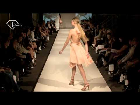 fashiontv | FTV.com - PERTH FASHION FESTIVAL  -  TIMES SQUARE RUNWAY