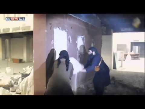 داعش يدمر متحف الموصل التاريخي